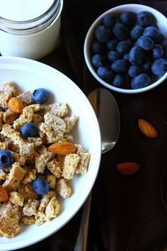 Homemade Cereal that is Gluten Free, Grain Free and Paleo | WholeLifestyleNutrition.com #glutenfree #paleo #grainfree