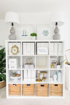 Open Shelving - putting items on display in a neat and organized manner will tra. Open Shelving – putting items on display in a neat and organized manner will transform them from overbearing clutter to satisfying decor. Source by Home Office Storage, Home Office Organization, Home Office Design, Home Office Decor, Home Design, Diy Home Decor, Room Decor, Office Ideas, Storage Organization
