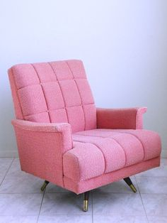 Amazing pink mid century modern lounge chair