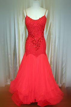 Red Smooth Gown (CS147) :: Rhythmic Rentals