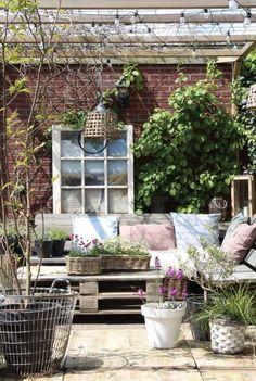 Binnenkijken bij mijnhuis__enzo Outdoor Plants, Outdoor Fun, Outdoor Gardens, Outdoor Decor, Gazebos, Design Jardin, Cactus Y Suculentas, Outdoor Projects, Patio Design