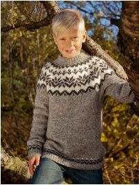 DIY knitting kit Icelandic sweater in grey w/snowflakes kids yrs // Knit your own pullover lopapeysa sweater with Ístex lett lopi yarn! Diy Knitting Kit, Knitting For Kids, Knitting Designs, Knitting Patterns Free, Knit Patterns, Free Knitting, Baby Knitting, Free Pattern, Sweater Patterns