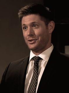 """acklesjensen: 11x03 - Dean """"Fake Badge"""" Winchester"""