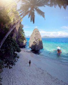 Ne muhteşem.... Entatula Adasi Palawan Fililinler  Credit to @ninjarod : The beauty of this place continues to awe me everyday Entatula Island - Palawan Philippines