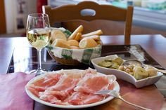 San Daniele row ham with Prosecco wine - typical food of Friuli region Wine With Ham, Croatian Cuisine, Northern Italy, Prosecco, Tasty Dishes, Wine Recipes, Watermelon, Favorite Recipes, Italy
