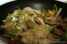 A Hapa Couple's Dukan Recipes: Dukan Stir Fried Shirataki Noodles Healthy Diet Recipes, Low Carb Recipes, Healthy Eating, Cooking Recipes, Healthy Food, Shirataki Noodles, Dukan Diet, Yummy Eats, Best Diets