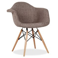 The WOODEN armchair is one of the most popular avant-garde design models from the past century. Sofa Design, Furniture Design, Charles & Ray Eames, Upholstered Arm Chair, Sofa Chair, Wooden Armchair, Grey Desk Chair, Dining Room, Wood