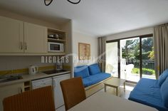 This flat consists of : 1 bedroom, open kitchen, bathroom, lounge, terrace. Furnished : Yes  #ApartmentForRent #realestate #accomodation #apartment #luxuryapartment #NicolasPisani #Villefranchesurmer http://www.nicolaspisani.com/en/appartment-rent-detail/apartments/2112-villefranche-sur-mer.cfm