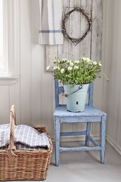 Shabby Chic home decor make-over ref 2808958426 to strive for a totally smashing, exciting decor. Why not stop by the shabby chic home decor vintage webpage this second for additional ideas. Shabby Chic Homes, Shabby Chic Style, Shabby Chic Decor, Cottage Living, Cottage Style, Cottage Chic, Shabby Chic Furniture, Painted Furniture, Country Decor