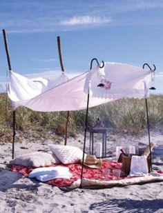 another fabulous beach or picnic idea! So for picnic picnic picnic Beach Picnic, Summer Picnic, Summer Fun, Summer Beach, Picnic Time, Picnic Parties, Summer Romance, Romantic Picnics, Sand And Water