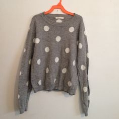 Forever 21 cropped polka dot sweater Super cute polka dotted cropped sweater by FOREVER 21 great condition, no holes rips or stains. Forever 21 Sweaters Crew & Scoop Necks