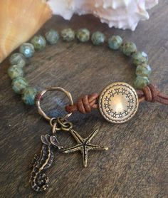 Sea+Horse+&+Starfish+Hand+Knotted+Bracelet+by+TwoSilverSisters,+$32.00| http://ringslera.blogspot.com