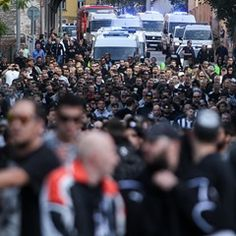 Hundreds of PAOK FC fans make their way to Europa League match against Liberec