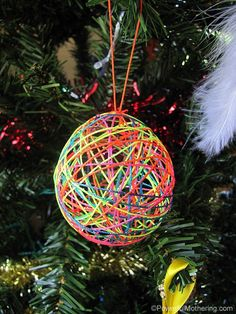 Just love these string balls! They look so good on the tree too.