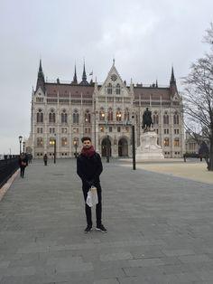 Wanderlustbee Christmas break in budapest Weekend Breaks, Hungary, Budapest, Wanderlust, Christmas, Travel, Yule, Navidad, Viajes