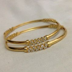 Gold and Diamond bangles. Gold bangles embellished with diamonds Gold Bangles Design, Gold Jewellery Design, Jewellery Stand, Designer Jewellery, Latest Jewellery, Baby Schmuck, Bracelet Cartier, Bangle Bracelet, Armband Rosegold