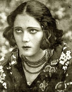 Spanish actress Raquel Meller. 1920s.