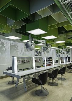 Sound control - Green boxes cover the ceiling of Clip Drop In hair salon by Sweco Architects Retail Interior, Office Interior Design, Interior Design Inspiration, Corporate Interiors, Office Interiors, Commercial Design, Commercial Interiors, Design Comercial, Office Ceiling