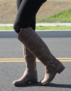 Free shipping on all US orders www.madaboutheels.com #heels #fashion #sexy #love