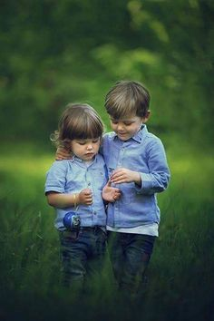 New children photography cute portraits Ideas Poor Children, Precious Children, Beautiful Children, Beautiful People, Cute Baby Couple, Baby Love, Cute Babies, Happy Children's Day, Happy Kids
