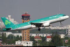 Aer Lingus flight taking off, i wonder were it is flying 2
