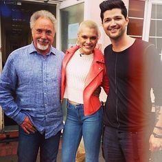 What's 4 minus 1? The answer is 3 superstar coaches on set today... #thevoiceuk #sirtomjones #jessiej #dannyodonoghue