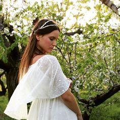 Inspiración inquieta #hechoamano #sincita #atelier #vestidosdenovia #love #whitegatache #whitesugar #cherrys #wedding #boheme #vintage #weddingdress #bridal #bride #bodas #blognovias #noviaswhitegatache #noviasdiferentes #noviasconestilo