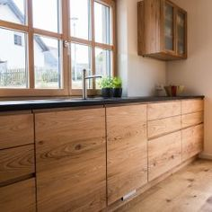 A house with a verbor - Wood Decora la Maison Wooden Kitchen, Kitchen Decor, Furniture Styles, Home Furniture, Contemporary Bedroom Sets, Sweet Home, Scandinavian Interior Design, Wood Laminate, Decorating On A Budget
