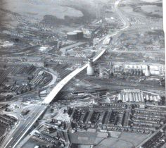 Tinsley Viaduct under construction at Blackburn meadows. Hadfields East Hecla works where Meadowhall now stands. Sheffield City, Sheffield England, Old Pictures, Old Photos, Barnsley South Yorkshire, Sources Of Iron, Sheffield Wednesday, Derbyshire, Back In Time