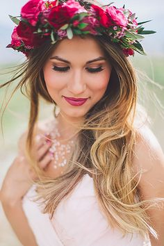 Good Vibes Only Bohemian Bridal Shower with Flower Crown Bar – My Makeup – Wedding Makeup Marie's Wedding, Romantic Wedding Hair, Flower Crown Wedding, Flower Crowns, Wedding Blog, Crown Flower, Bridal Crown, Wedding Ideas, Autumn Wedding