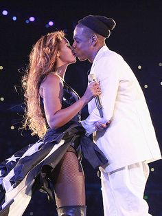 Why Did Beyonc� Get Emotional During Her Concert? http://www.people.com/article/beyonce-jay-z-emotional-paris-on-the-run