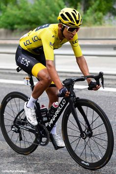 Le Stage Short Stage Win for Nibali - Bernal Confirmed Yellow - PezCycling News Cycling For Beginners, Chris Froome, Roubaix, Bicycle Race, Bike Style, Pro Cycling, Road Bikes, Racing, Cyclists