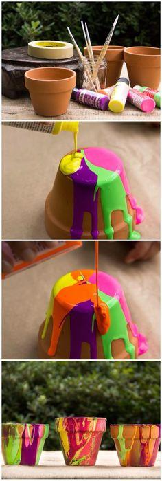 Esses vasinhos charmosos podem ser feitos até com/pelas as crianças. Gostou? Aproveite o sol e vá para o quintal com a turminha fazer art...