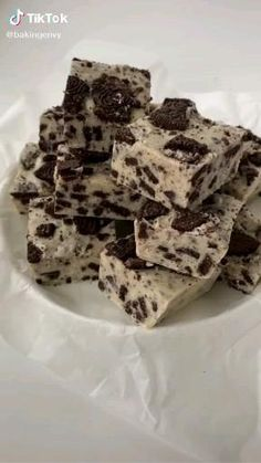 Easy Baking Recipes, Snack Recipes, Dessert Recipes, Cookie Recipes, Kreative Desserts, Oreo Fudge, Chocolate Fudge, Starbucks Recipes, Coffee Drink Recipes