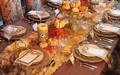 Beautiful table idea for your family's Thanksgiving feast.
