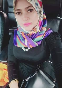 Untitled Iranian Women Fashion, Muslim Fashion, Hijab Fashion, Girl Hijab, Hijab Outfit, Beautiful Hijab, Muslim Women, Sexy Asian Girls, Sexy Women