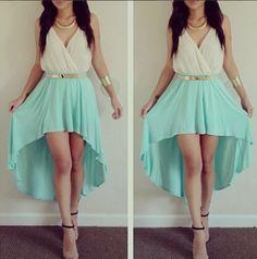 um vestido de verão parece que é a Martina a utilizar