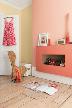 Pink paintings in your bedroom by Dulux Valentine | More photos http://petitlien.fr/DuluxValentine