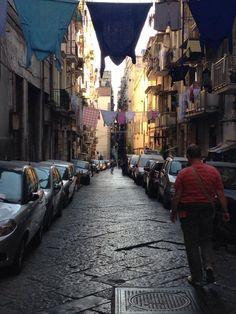 """""""Speranza e speranzella"""", Napoli. 1° riScatto urbano di Annalisa Kibalcic. Saranno conteggiati i RT al seguente tweet: https://twitter.com/Kibalcic/status/632866669090721792"""