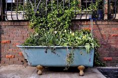 Tired of paying high retail prices for plant pots, boxes, & containers? These recycled garden planters use materials you may already have lying around. Recycled Planters, Recycled Garden, Garden Planters, Potted Garden, Potted Plants, Big Garden, Lawn And Garden, Dream Garden, Old Bathtub