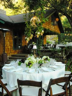 backyard wedding- love the backyard too!