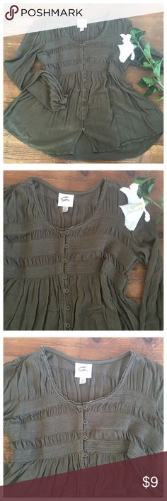 Knox Rose peasant boho shirt Gorgeous loose fitting swing top by Knox Rose in excellent condition. Peasant boho style, very comfortable on. Gathered across chest. Pretty soft olive color  PLEASE SEE MY LISTINGS! I LOVE TO BUNDLE YOUR LIKES TO SAVE YOU MONEY! Knox Rose Tops
