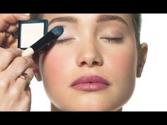 How-To: Classic Eye Makeup -- by Bobbi Brown (Bobbi Brown Cosmetics)