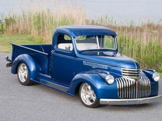 Vintage Trucks Muscle This 1947 Chevrolet Truck is Definitely as Fast as it Looks Best Pickup Truck, Custom Pickup Trucks, Custom Truck Parts, Classic Pickup Trucks, Old Pickup Trucks, Jeep Pickup, Pickup Camper, 1946 Chevy Truck, Chevy Trucks Older