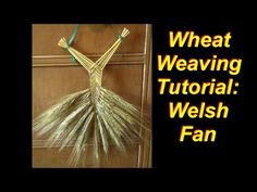 The Welsh fan is a very traditional wheat weaving design. It's fairly simple to master and also comes in handy for more complex wheat weavings, as it's used . Straw Weaving, Weaving Art, Basket Weaving, Corn Dolly, Woodland Elf, Weaving Designs, Cosplay Tutorial, Craft Tutorials, Craft Ideas
