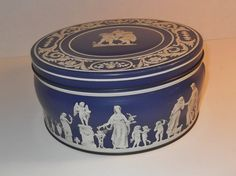 Vintage Biscuit Tin Huntley & Palmers by SusieSellsVintage on Etsy