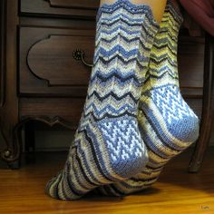 Ravelry: Lunitink's Self-striping Hitinis