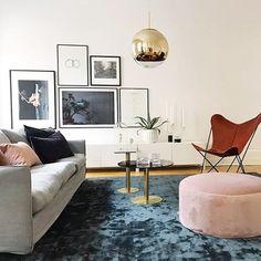 "532 Likes, 10 Comments - @inredningslisa on Instagram: ""Härlig styling av @by_boninterior för @bjurfors_goteborg 👏🏼 #vardagsrum #livingroom #sittpuff…"""