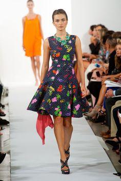 Fashion Show: Oscar de la Renta Spring 2014 | Платья