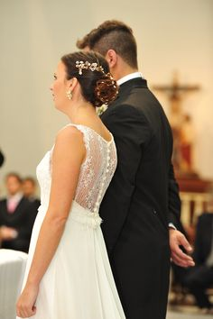 Loli by Las Demiero LAS DEMIERO www.lasdemiero.com www.facebook.com/... #bodas #novias #lasdemiero #casamientos